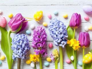 Собирать пазл Пасхальные цветы онлайн