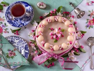 Собирать пазл Пасхальный торт онлайн