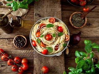 Собирать пазл Паста с томатами онлайн