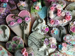 Собирать пазл Печенье-валентинки онлайн