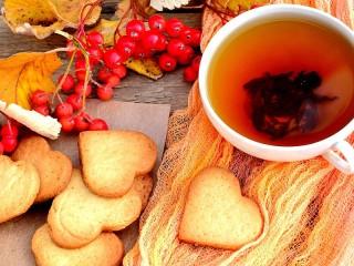 Собирать пазл Печенье и чай онлайн