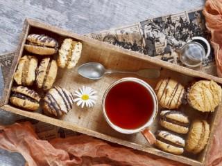 Собирать пазл Печенье к чаю  онлайн