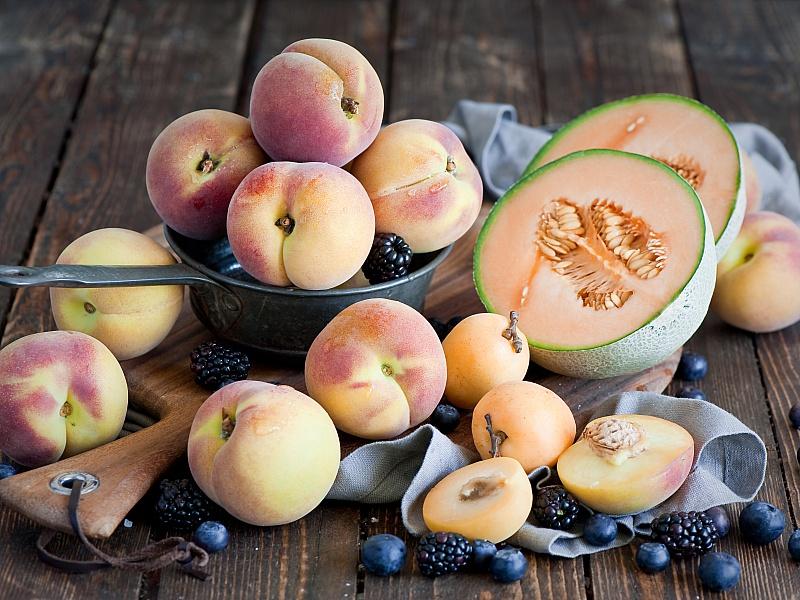 Пазл Собирать пазлы онлайн - Персики и дыни