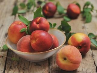 Собирать пазл Персики и нектарины онлайн