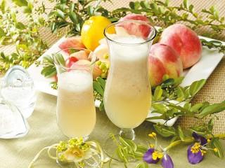 Собирать пазл Персиковый коктейль онлайн