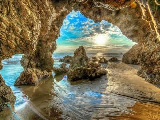 Собирать пазл Пещера в Калифорнии онлайн