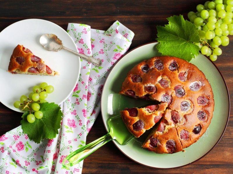 Пазл Собирать пазлы онлайн - Пирог и виноград