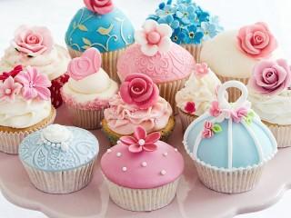 Собирать пазл Пирожные онлайн