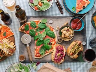 Собирать пазл Пицца и бутерброды онлайн