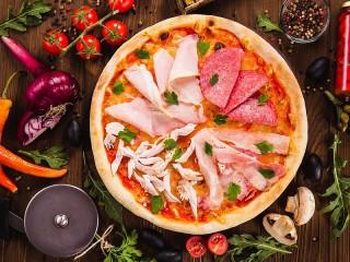 Собирать пазл Пицца и нарезка онлайн
