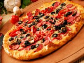 Собирать пазл Пицца с колбасой онлайн