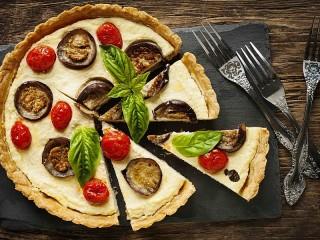 Собирать пазл Пирог с овощами онлайн