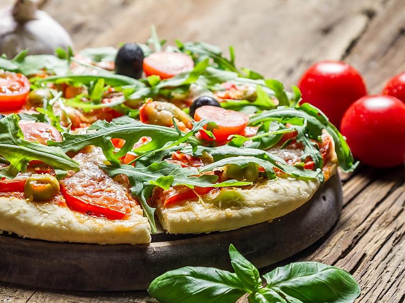 Пазл Собирать пазлы онлайн - Пицца с рукколой