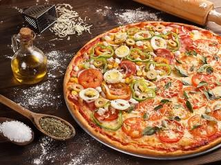 Собирать пазл Пицца с яйцом онлайн