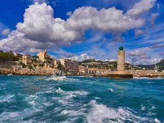 Собирать пазл Побережье Франции онлайн