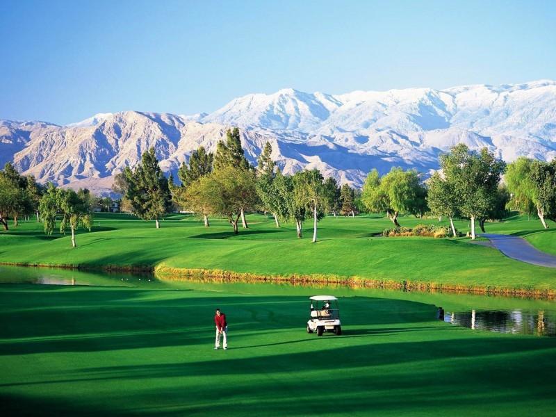 Пазл Собирать пазлы онлайн - Поле для гольфа