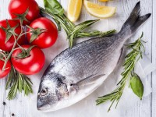 Собирать пазл Помидоры и рыба онлайн
