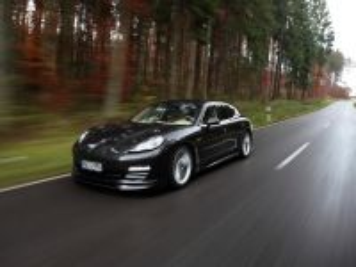Собирать пазл Porsche Panamera онлайн