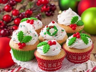 Собирать пазл Праздничные кексы онлайн