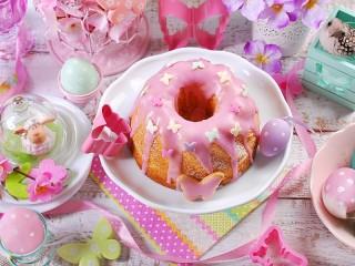 Собирать пазл Праздничный кекс онлайн