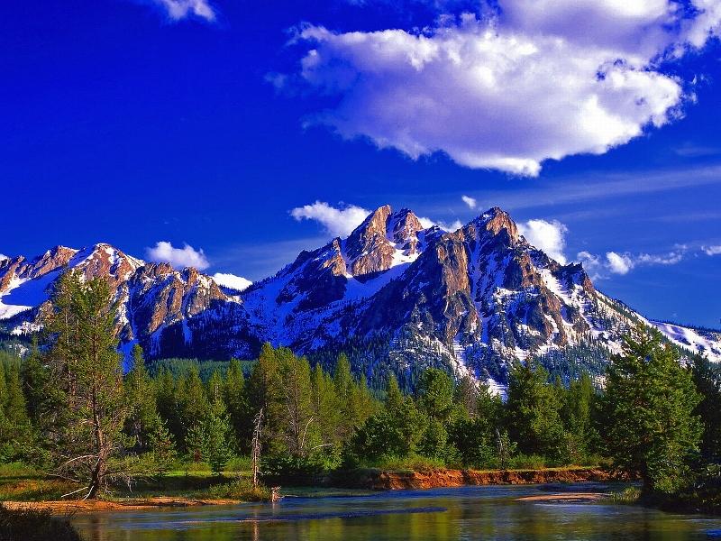 Пазл Собирать пазлы онлайн - Горы и озеро