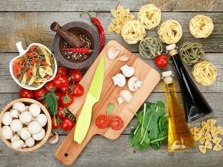 Собирать пазл Приготовление макарон онлайн