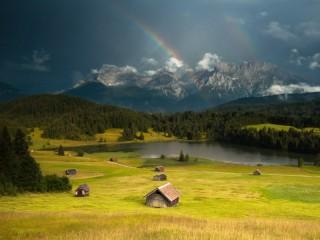 Собирать пазл Радуга в горах онлайн