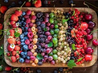 Собирать пазл Радуга ягод онлайн