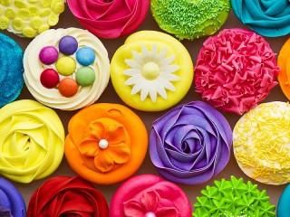 Собирать пазл Радужные кексы онлайн