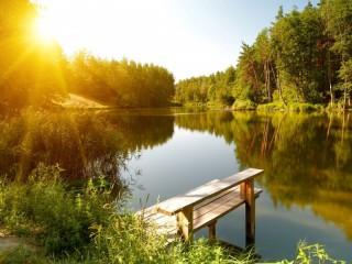 Собирать пазл Рассвет на озере онлайн