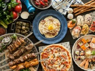 Собирать пазл Разнообразие блюд онлайн