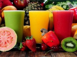 Собирать пазл Разноцветные соки онлайн