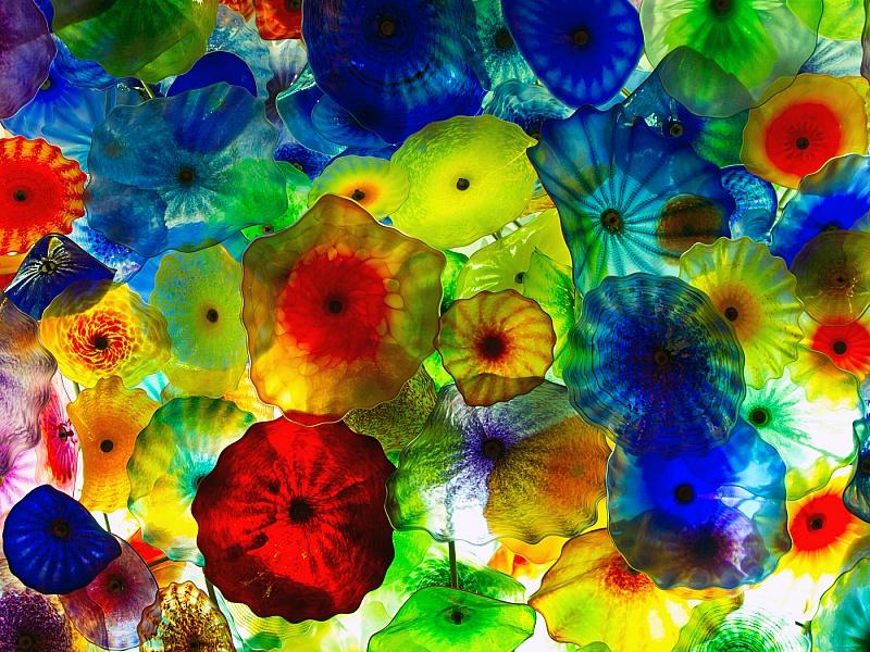 Пазл Собирать пазлы онлайн - Разноцветные медузы