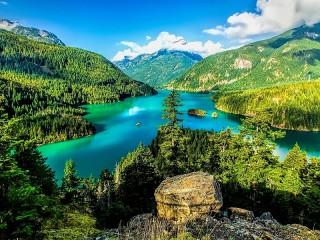 Собирать пазл Река в горах онлайн
