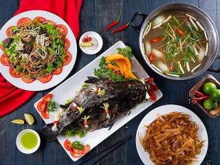 Собирать пазл Рыба на блюде онлайн