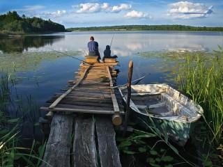 Собирать пазл Рыбаки на озере онлайн