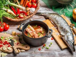 Собирать пазл Рыбный суп онлайн
