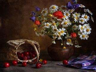 Собирать пазл Ромашки и вишни онлайн