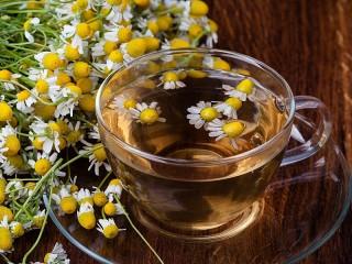 Собирать пазл Ромашковый чай онлайн