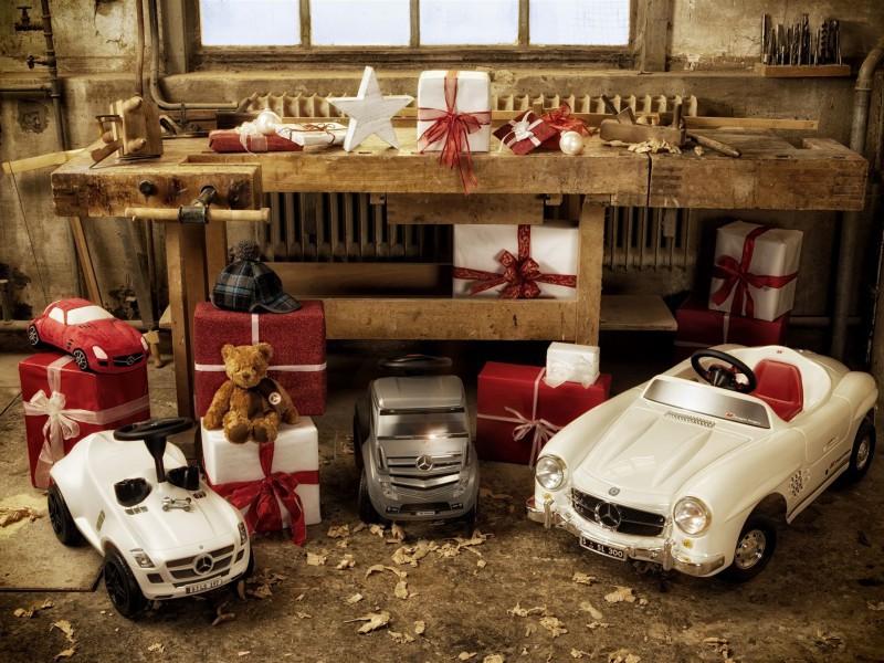Пазл Собирать пазлы онлайн - Рождество в гараже