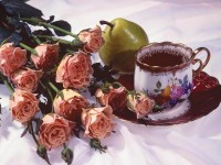 Собирать пазл Розы и чай онлайн