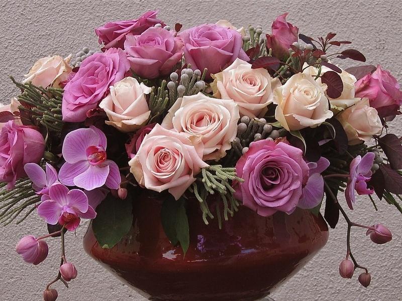 Пазл Собирать пазлы онлайн - Розы и орхидея