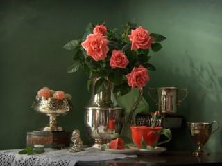Собирать пазл Розы и серебро онлайн