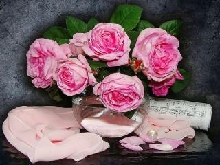 Собирать пазл Розы и ноты онлайн