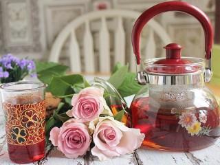 Собирать пазл Розы к чаю онлайн