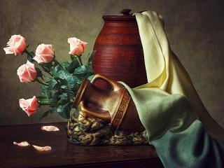 Собирать пазл Розы в кувшине онлайн