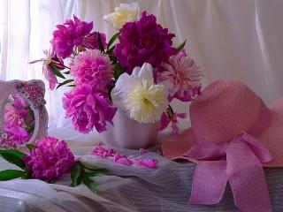 Собирать пазл Розовый натюрморт онлайн