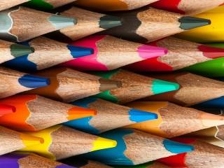 Собирать пазл Ряды карандашей онлайн