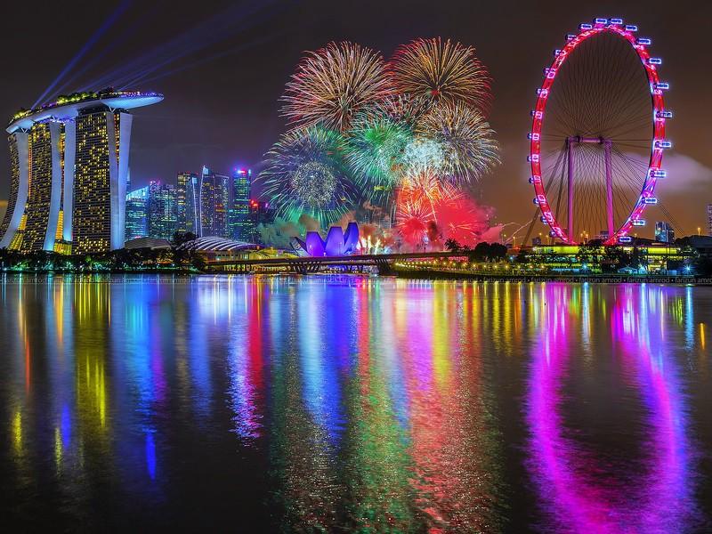 Пазл Собирать пазлы онлайн - Салют в Сингапуре