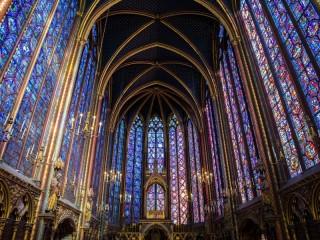 Собирать пазл Сент-Шапель. Париж онлайн